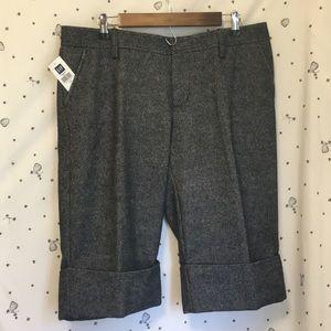 NWT GAP Cuffed Knickerbocker Shorts